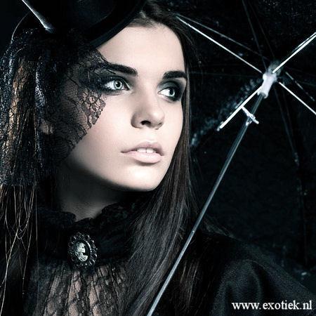 paraplu gothic meisje 2.jpg