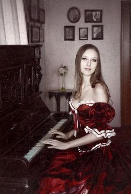 pianogirl.jpg