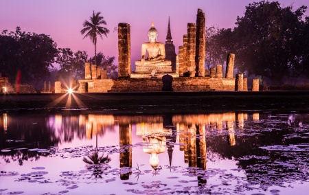 thai boeddha Sukhothai historisch park fotograaf Tipchai.jpg
