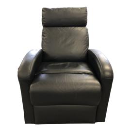 Tweedehands brede zwarte sta-op stoel, zitbreedte 53 cm - 16805809