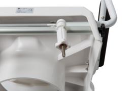 Toiletverhoger met wegklapbare armleuningen om veilig te gaan zitten en staan