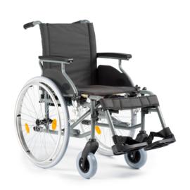 Lichte rolstoel M6 opvouwbaar (licht om in de auto te tillen)
