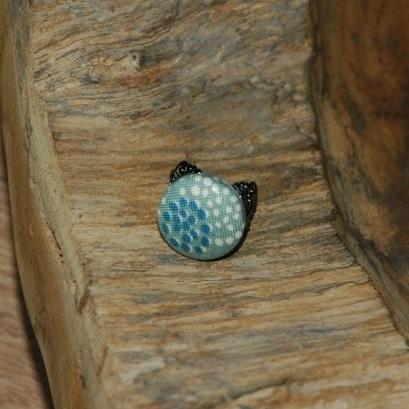 Barokke (donkere) ring met stofknoop