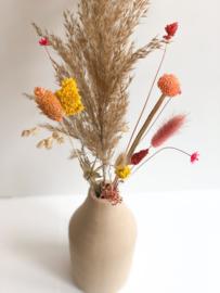 Vaas met droogbloemen neutraal