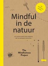 Mindful in de Natuur - werkboek met 60 oefeningen voor buiten