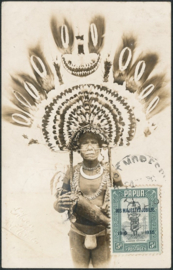© 1936 - PAPUA Local headdress