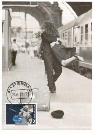 1989 NETHERLANDS Railway station Kissing