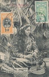 © 1917 - TAHITI Local woman