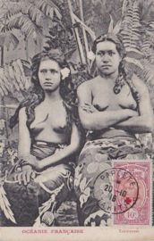 © 1916 - TAHITI Local woman