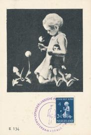 ® 1940 - CATA 376 Kind met bloemen