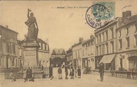 © 1903 - FRANCE Statue of the Republic - Jonzac