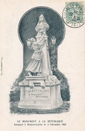 © 1906 - FRANCE Monument at Mantes-la-Jolie