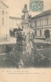 © 1905 - FRANCE Statue of the Republic - Vichy
