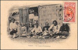 © 1918 - TAHITI Local woman