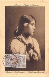 © 1914 - TAHITI Local woman