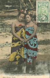 © 1916 - TAHITI Local women