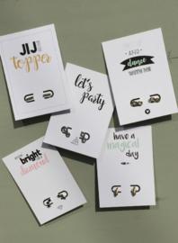 Minimalistic studs  (16 paar) inclusief 16 gratis quote cards