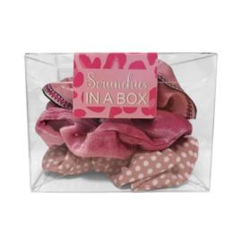 Scrunchie set roze in geschenk verpakking
