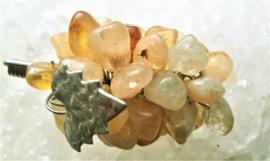 Citrien Druiventrosje met zilverkl blaadje 5 cm