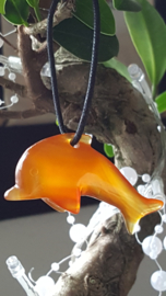 Carneool Dolfijn hanger 5 cm