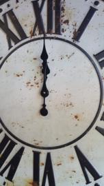 Klok  geheel van metaal vintage  ( oldlook )  Ø  70 cm