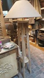Steigerhouten lampvoet recht model