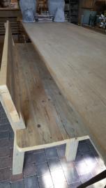 Bank met rugleuning en royale zit van steigerhout