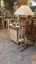 Lampvoet  ( staand ) van steigerhout