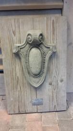 Houten (oldlook ) wandbord met beton-ornament 60x40 cm