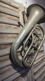 Muziekinstrument : TUBA ( oud & decoratief )