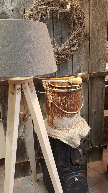Lampvoet van steigerhout  > model statief  - driepoot h 130 cm