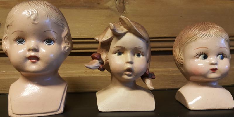 Poppenhoofdje meisje met staartje  9 x 8 x 11 cm