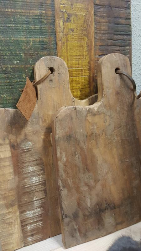 Serveer- / snijplanken van oud hout   ( momenteel uitverkocht )