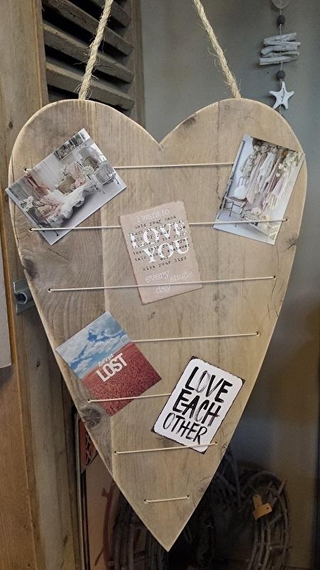 Hart van steigerhout met elastieken/knijpertjes , 75 x 45 cm