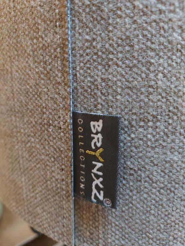 "Kap > kleur"" Stone ""  afm 25x16 cm"