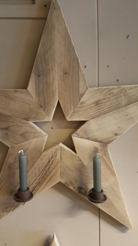 Ster van steigerhout met 2 kandelaars 80 cm