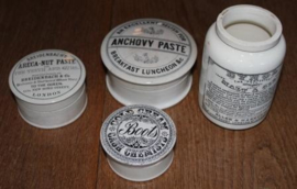 Oude Engelse porseleinen pasta potjes