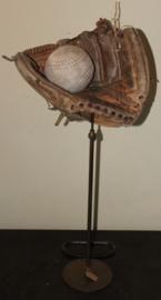 Decoratief Honkbal handschoen met Bal op statief