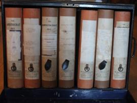 Oud Engelse metalen Notaris kist voorzien van 7 opberg dozen