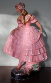 Gipsen beeld dansende vrouw