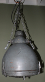 zwaar metalen oude leger lamp