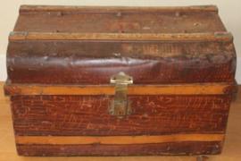 Oude Engelse Metalen hutkoffer