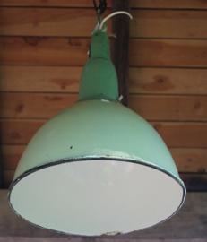 Groene emaille industriele lamp
