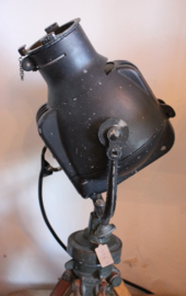 Oude theater lamp op driepoot