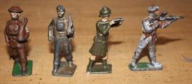 4 Tinnen soldaatjes