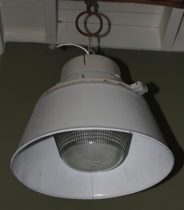 Industriele lamp met glas en kap