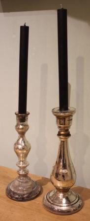 Twee Armelui zilveren kandelaars