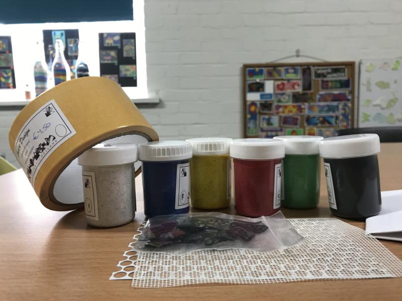 basispot met roltape en 6 kleuren zand van 50gram.