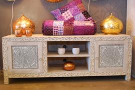 oosterse tv meubel wit met houtsnijwerk en mozaïek