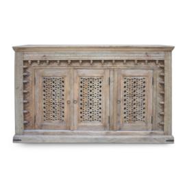 oosters dressoir met houtsnijwerk panelen